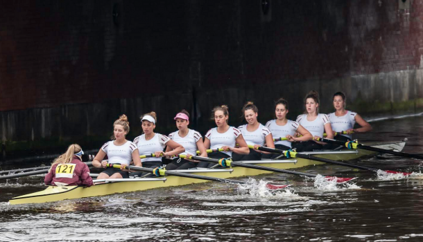 Nereusvrouwen gaan hard bij Head of the River