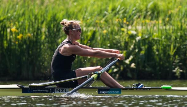 Emma Twigg wint, Lisa Scheenaard eervol tweede