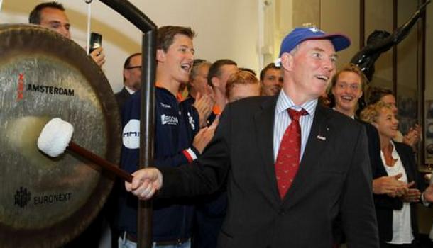 Ronald Florijn opent historische beursdag, Aegon langer aan boord