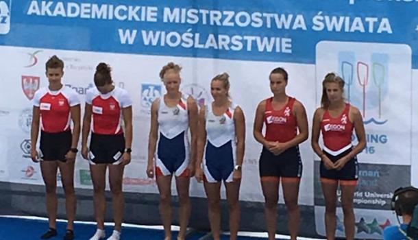 Rosa Bas en Roos de Jong veroveren brons bij FISU WK