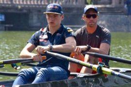 Max Verstappen stapt in 'eigen' roeiboot