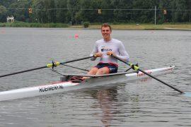 Simon van Dorp zet wereldrecord: 18:13,2/6K