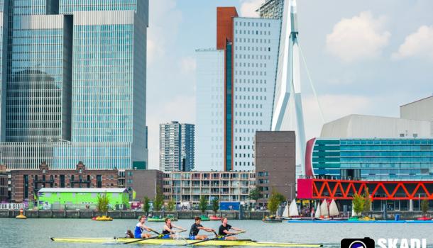 Zondag Harbour Sprints en Coastal Roeien in Rotterdam