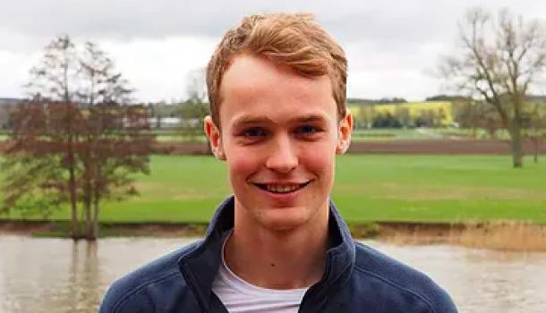 Tom Schwantje (Oxford) wint Boatrace Light