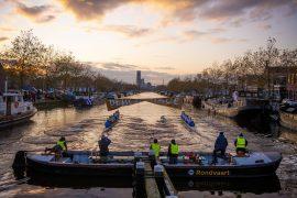 Friezen winnen boatrace van Groningers