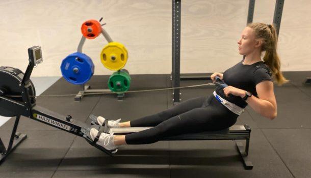 Anna Menke 1,5 seconde boven wereldrecord bij NKIR