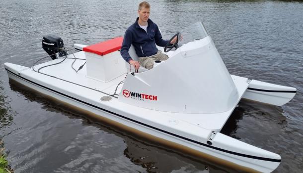 Coachen en filmen vanuit een catamaran? Roeiwerf.nl maakt het mogelijk