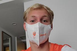 Video: Besmette Finn Florijn vanuit zijn quarantainehotel, 'havermout met water'